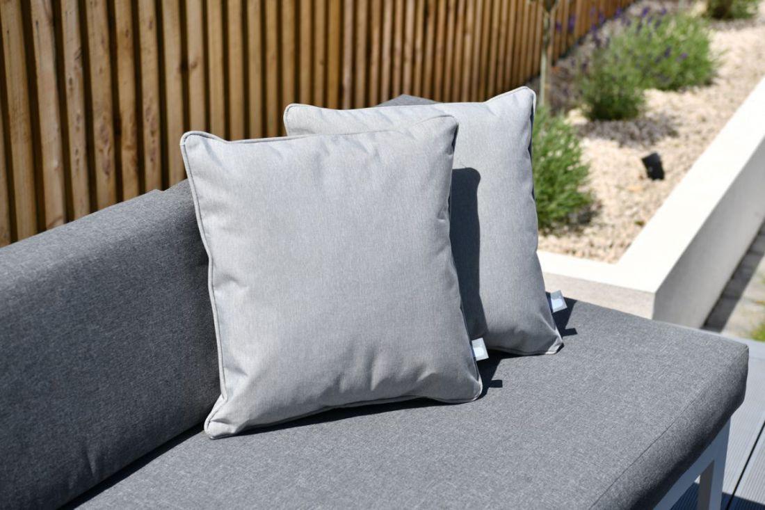 extreme lounging bcushion sierkussen pastel grijs